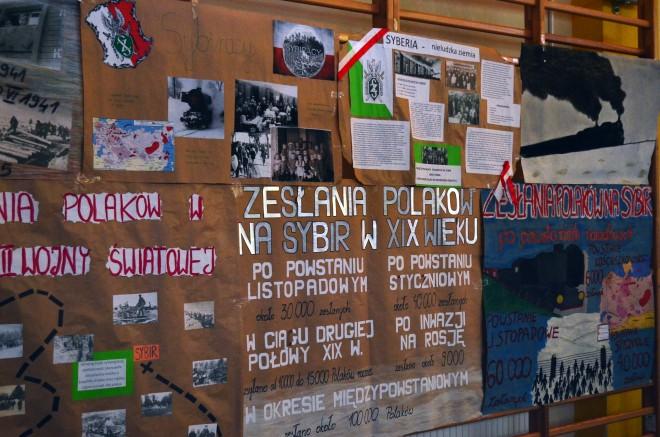 Plakaty uczniów gimnazjum