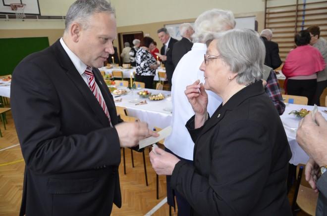 Starosta Jarosław Szlaszyński i Barbara Czartoszewska