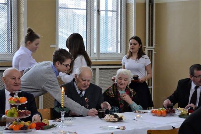 Wnukowie Sybiraków obsługują Sybiraków
