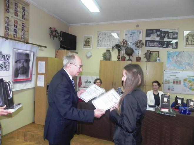 Wręczenie dyplomów i nagród laureatom