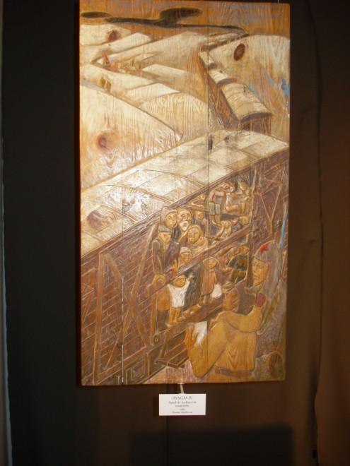 """Wystawa """"Droga Krzyżowa 1939–1947"""" – relief"""