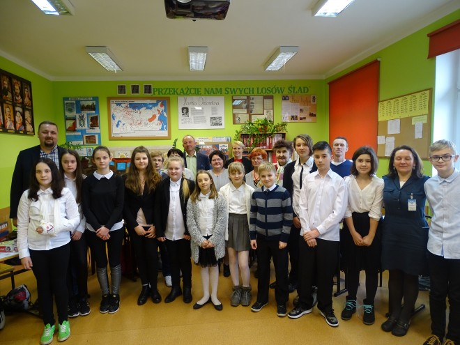 Pamiątkowe zdjęcie wszystkich uczestników konkursu
