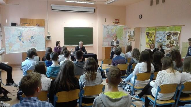 Spotkanie prezesa Zarządu Głównego Kordiana Borejki z młodzieżą Gimnazjum nr 1 w Skawinie