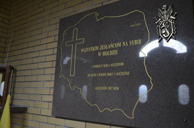 Tablica pamiątkowa odsłonięta w Augustowie
