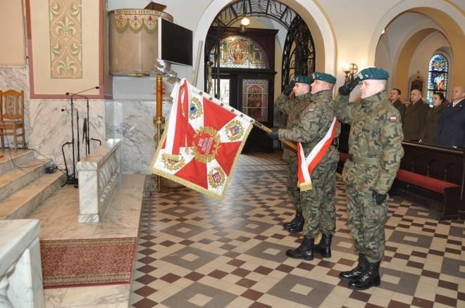 Poczet sztandarowy 10. Wrocławskiego Pułku Dowodzenia