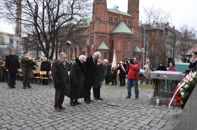 Złożenie wieńca od Zarządu Oddziału ZS we Wrocławiu