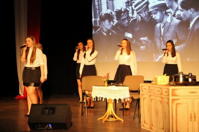 Musical uczniów Gimnazjum nr 1 im. Zesłańców Sybiru w Bielawie