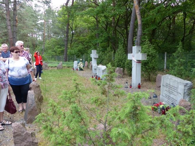 Cmentarz w Ostrówkach na Wołyniu