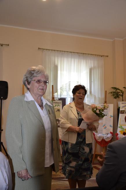 Janina Żołędowska i dyrektor Zofia Bagińska